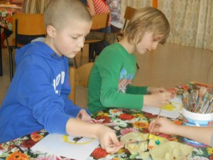 Leerlingen schilderen voor Bosnië